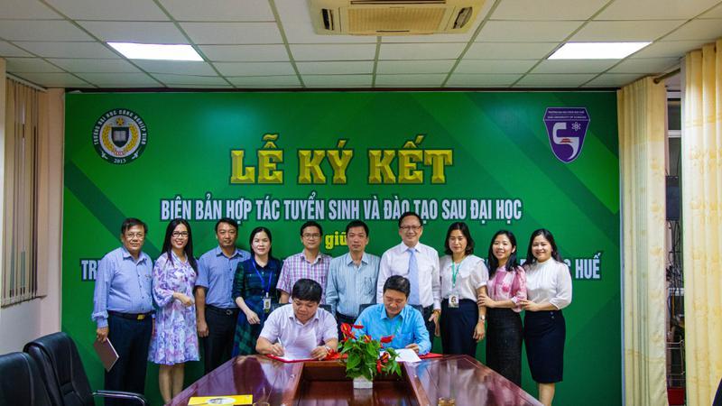 Trường ĐH Công Nghiệp Vinh ký kết Biên bản hợp tác Tuyển sinh và đào tạo với Trường ĐH Khoa học – Đại học Huế