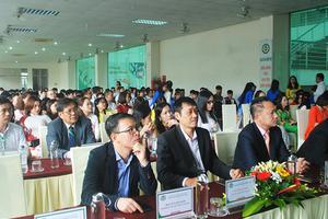 Trường Đại học Công nghiệp Vinh khai giảng năm học mới