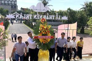 Trường ĐH Công Nghiệp Vinh dâng hương tưởng niệm ngày Thương...
