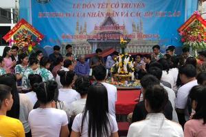 Đón tết Bunpimay cùng Du học sinh Lào tại Trường Đại học...