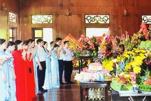 Trường ĐH Công Nghiệp Vinh dâng hương tưởng niệm nhân ngày...