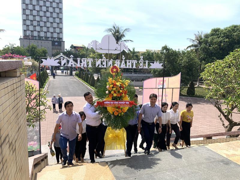 Trường ĐH Công Nghiệp Vinh dâng hương tưởng niệm ngày Thương binh liệt sĩ 27/07