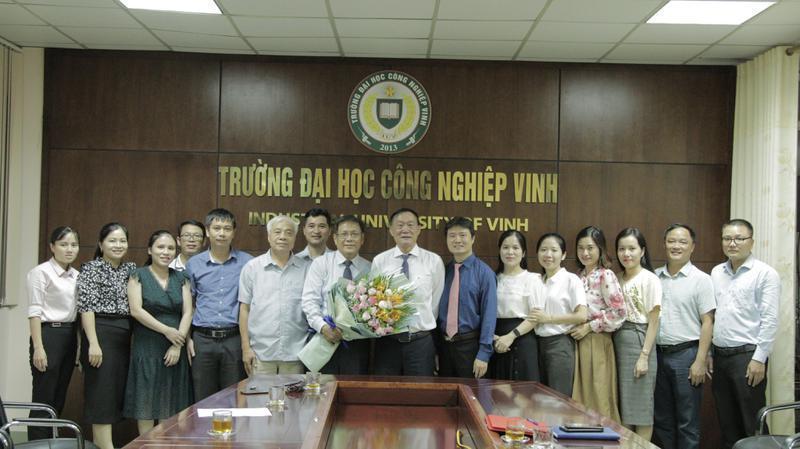 Trường Đại học Công nghiệp Vinh bổ nhiệm Tân Trợ lý Hiệu trưởng
